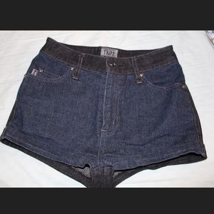 Super cute high waisted denim shorts